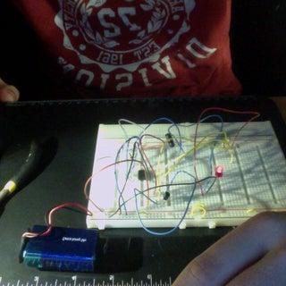Building the TARDIS - (Pulsating LED Circuit)