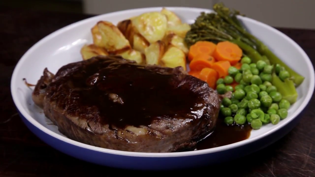 Picture of How to Cook a Red Wine Reduction Sauce