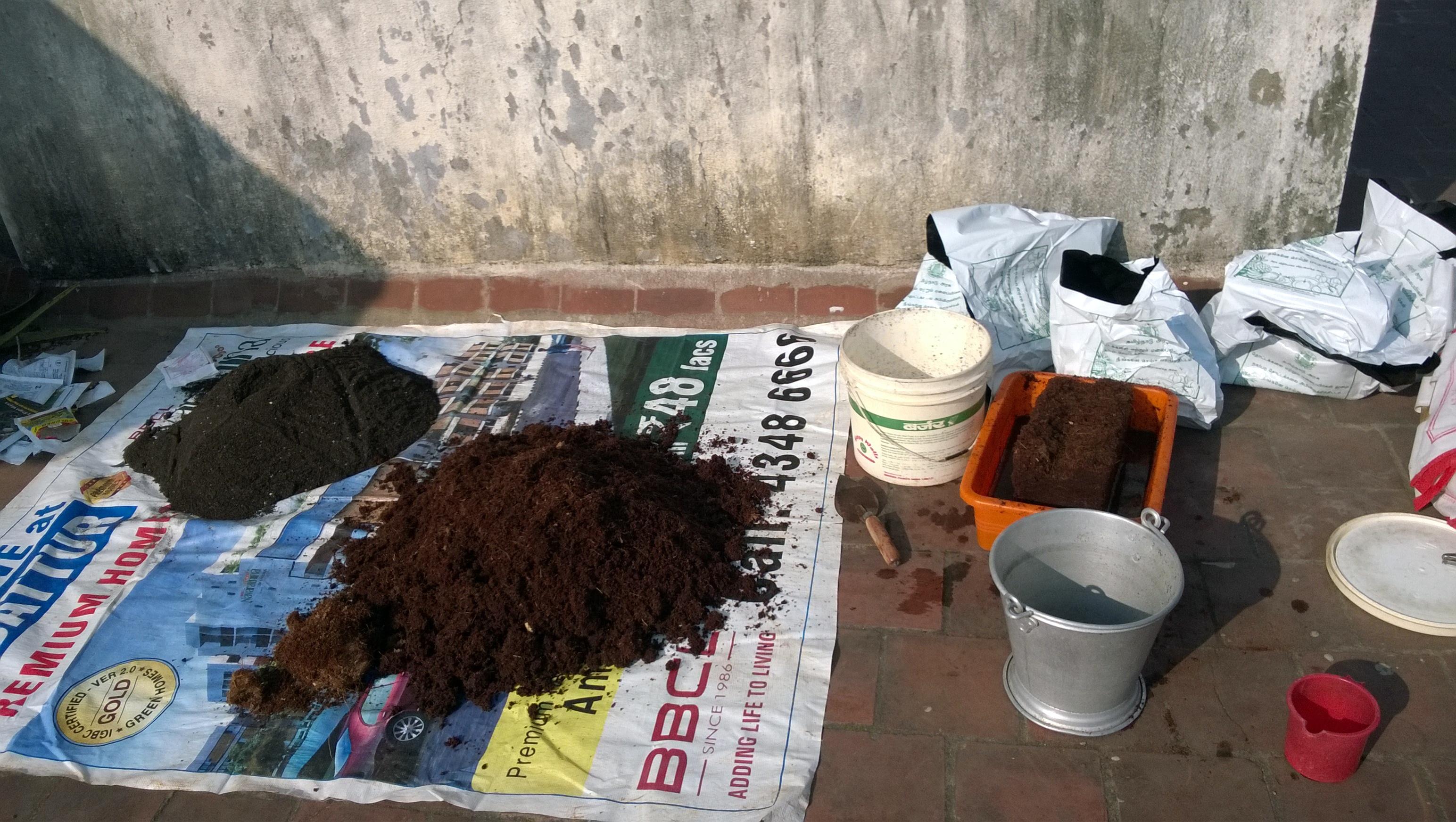 Picture of Preparing the Potting Medium