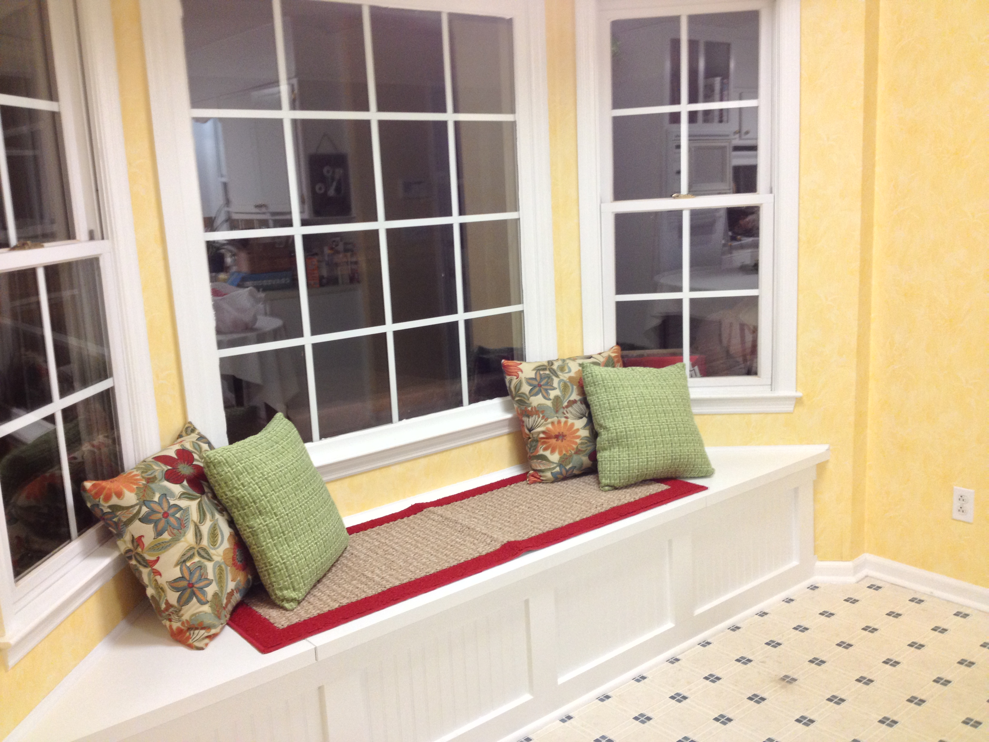 Incredible Build A Window Seat With Storage 7 Steps With Pictures Bralicious Painted Fabric Chair Ideas Braliciousco