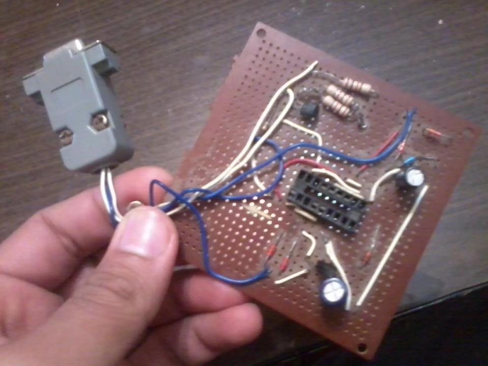 Picture of Easy 16F84 Microcontroller Programmer - JDM