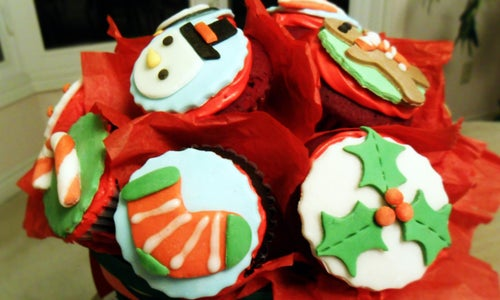 Sweetest Present to Give: Christmas Cupcakes Bouquet