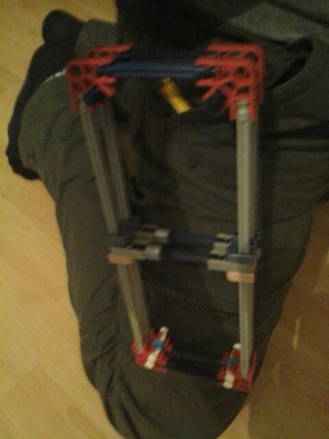 Picture of How to Make a K'nex Knife Holder