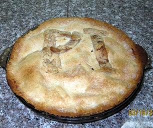 Apple Pi With Cinnamon Roll Crust
