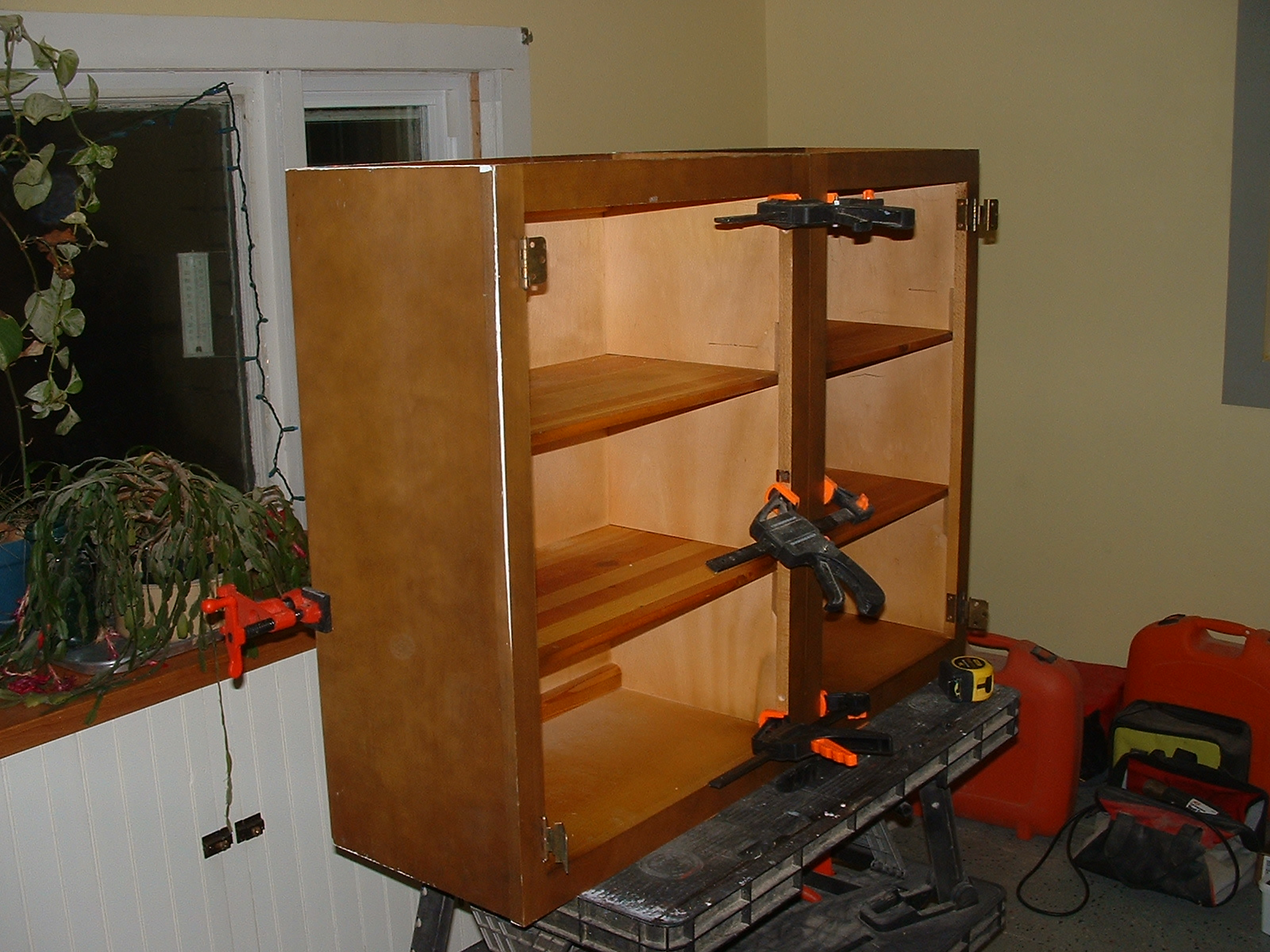 Picture of Clamping the Cabinets Together