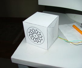 Folding speaker enclosures