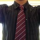 How to Tie a Tie (Double Windsor)