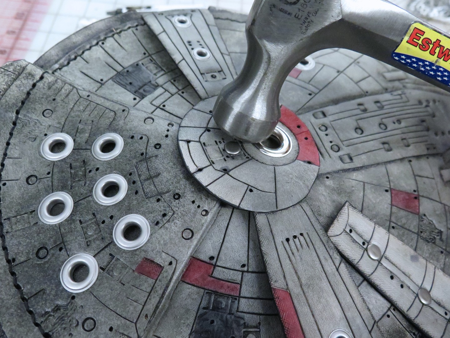 Picture of Attaching the Central Gun Well and Escape Pods
