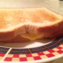 How to Microwave Grilled Chees