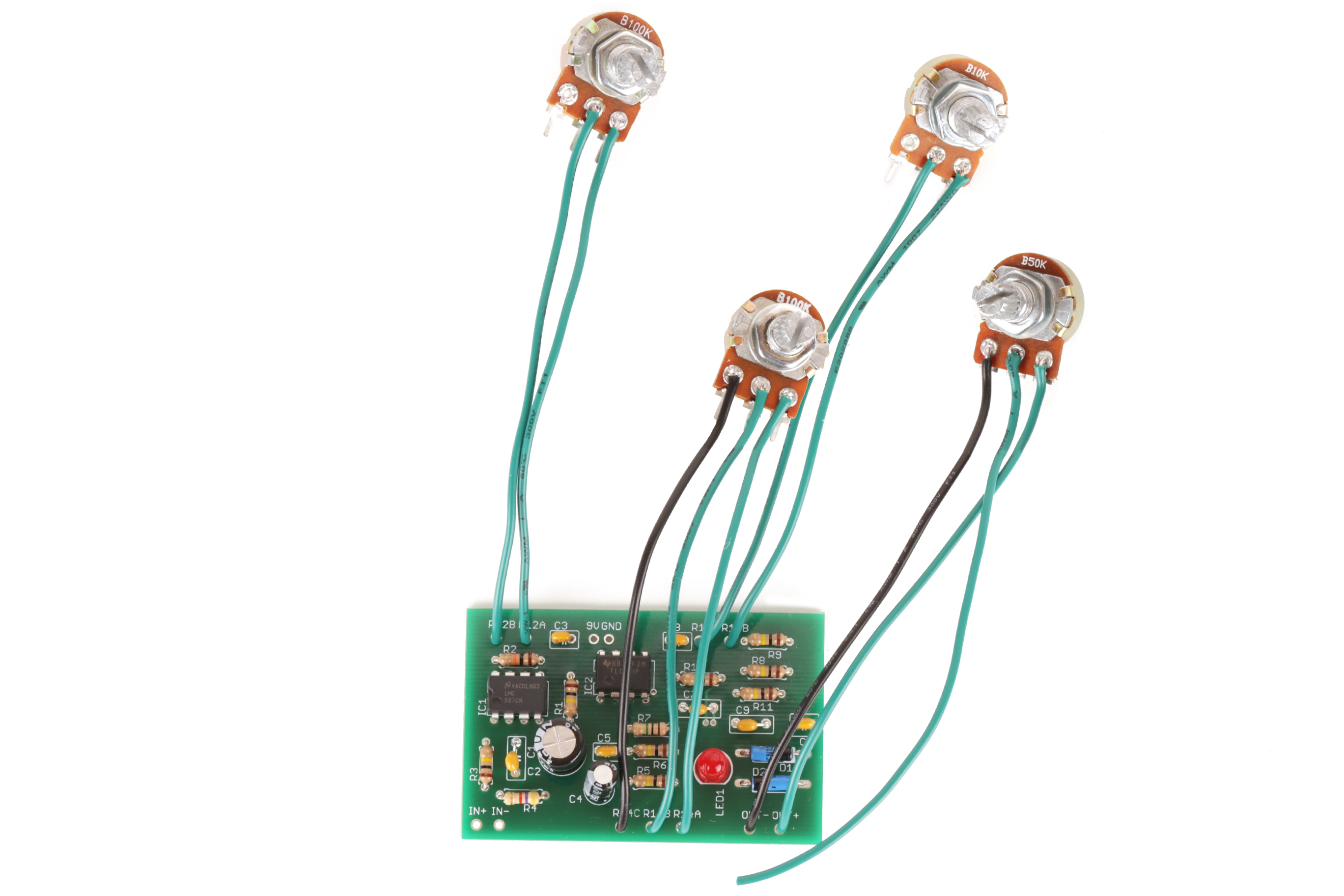 Picture of Wire the Potentiometers