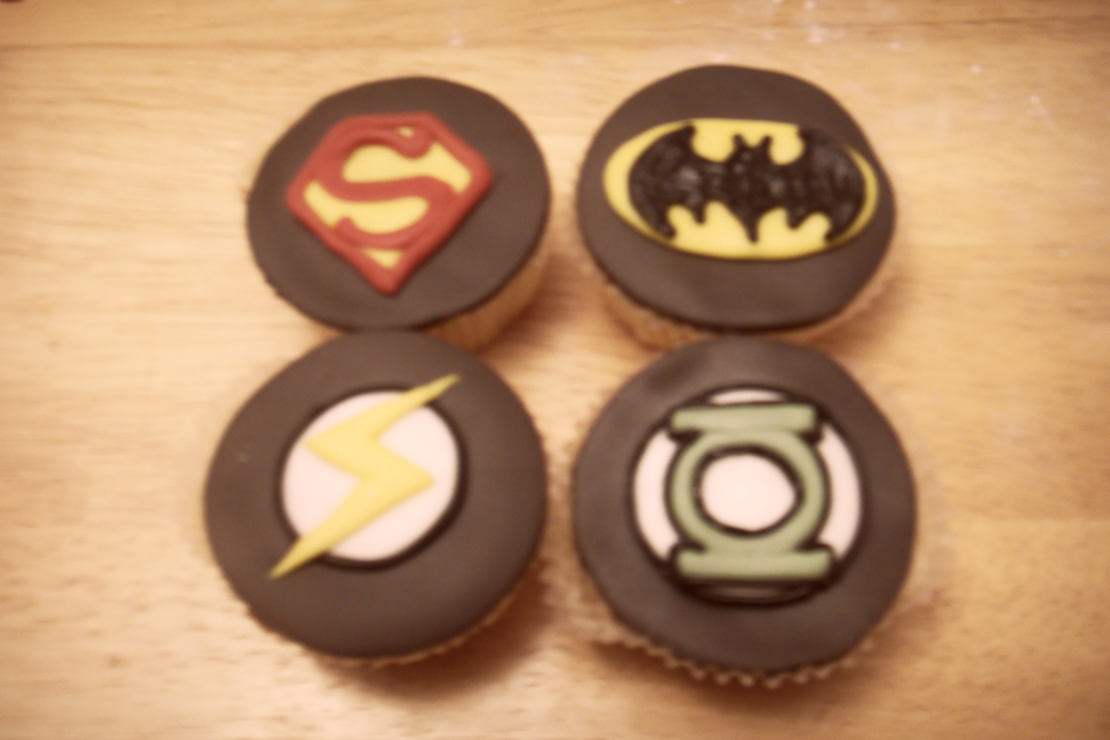 Picture of Nananana Nananana CUPCAKE.. I Mean BATMAN, Superhero Cupcakes
