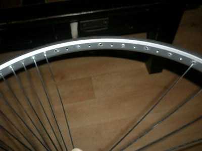 Lacing the Wheel 2 ( Start Putting the Spokes Into the Rim )