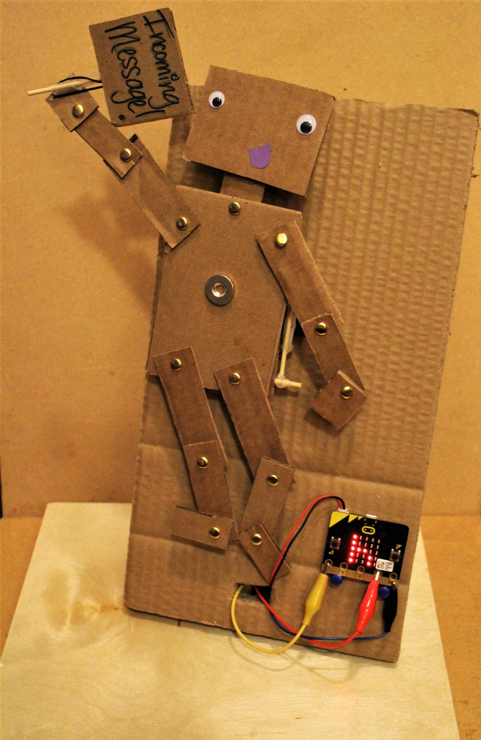 """Picture of Micro:Bit Puppet """"Text Messaging""""!"""