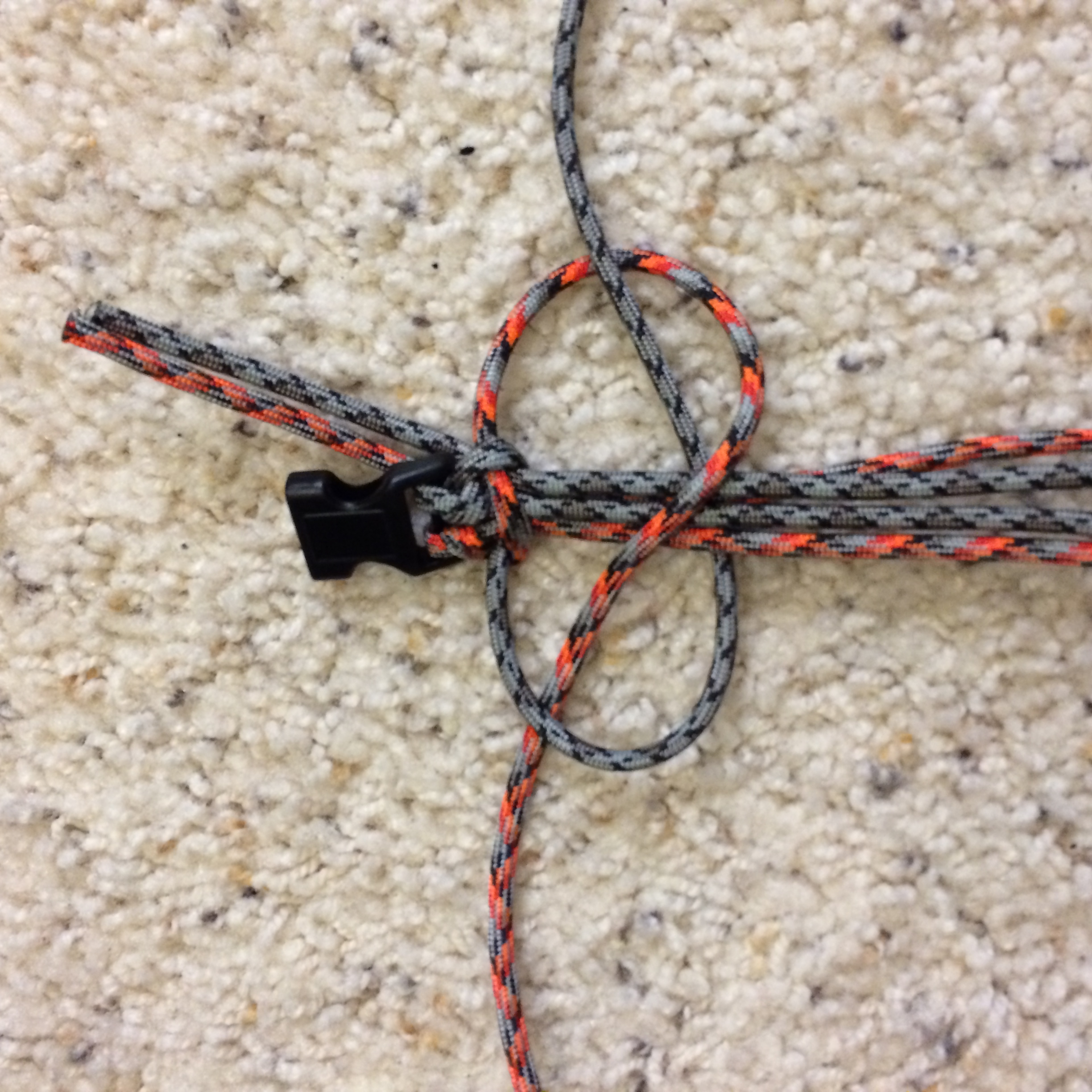 Picture of How to Make a Survival Bracelet - Step 3