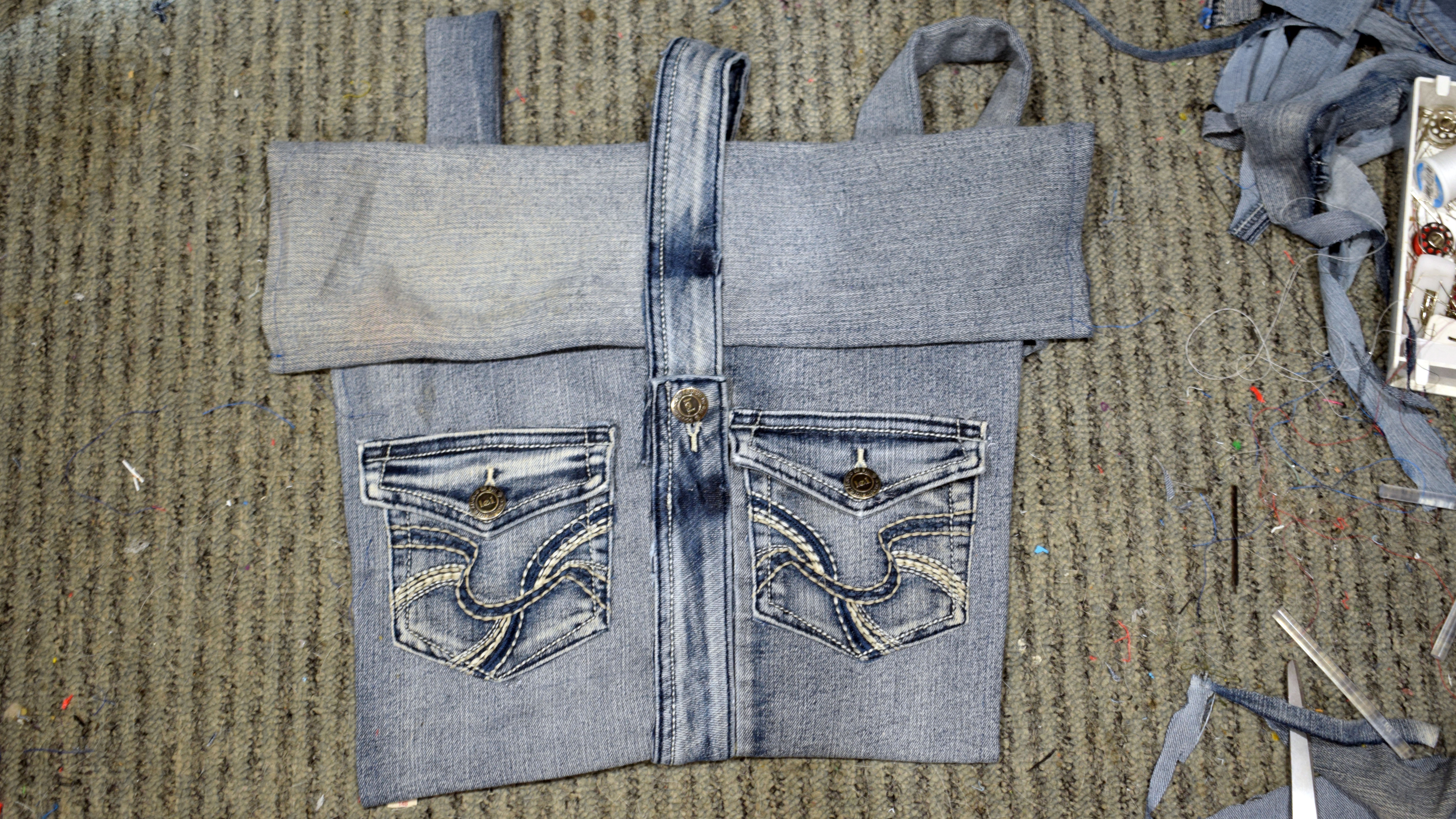 Picture of Attaching Pockets