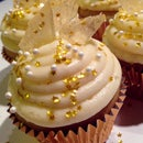 Champagne Cupcakes With Sparkling Rock Candy