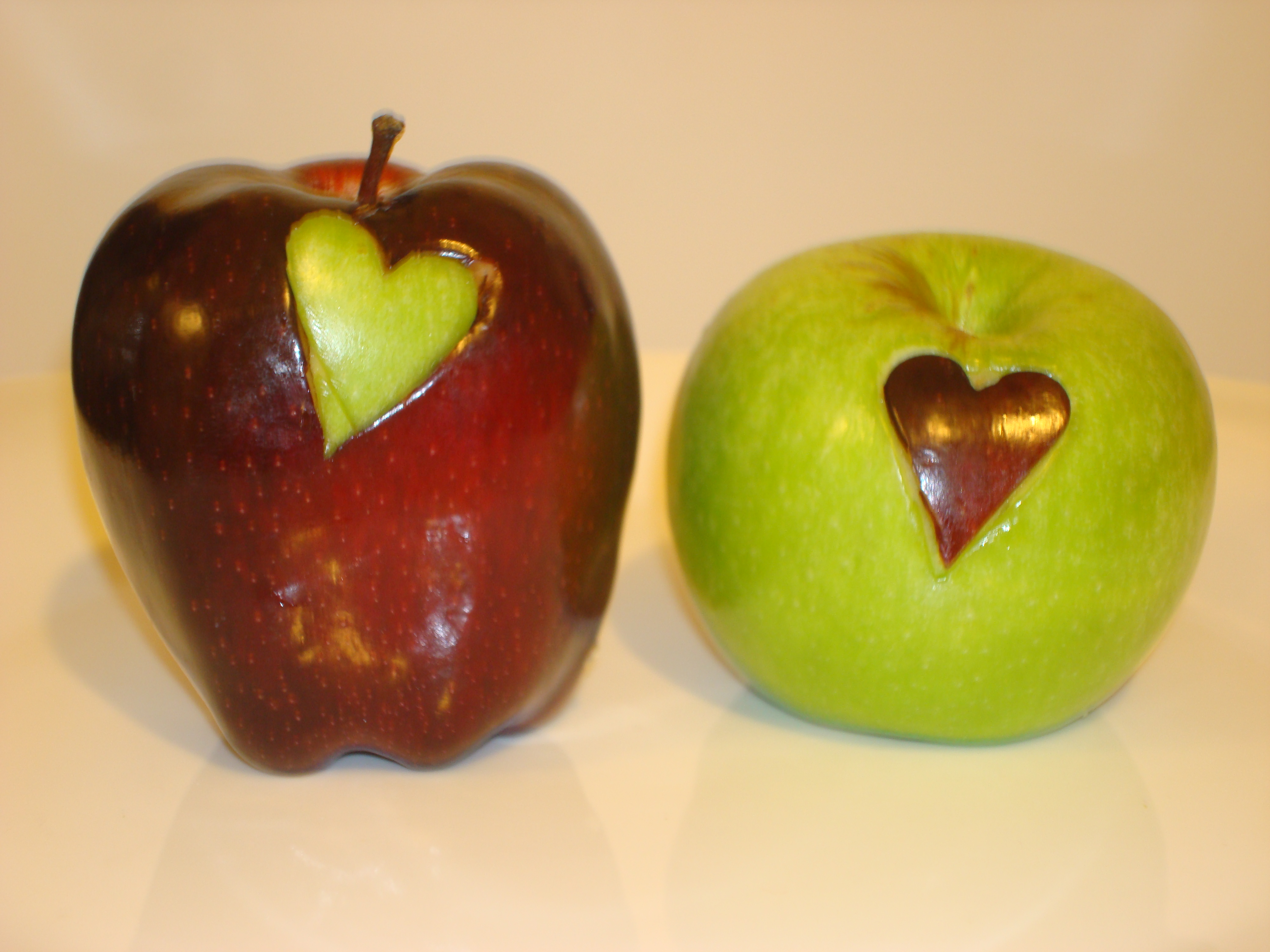 Picture of Swap Apple Hearts