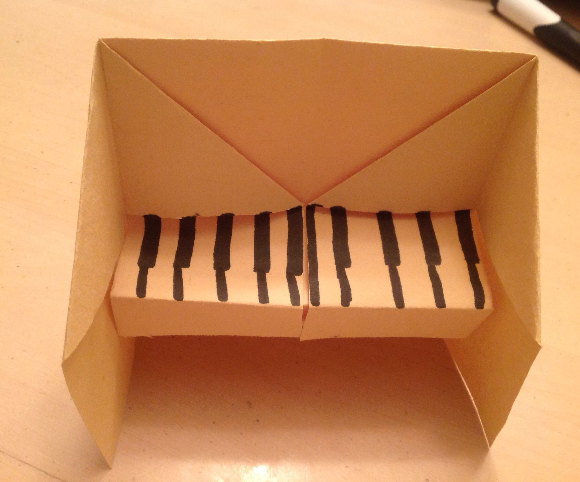 3D origami piano by Hyo Ahn, click to see the full instructions ... | 1936x2328