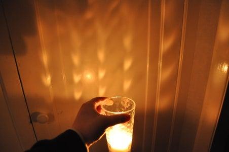 Unique Candle Lighting Effect.