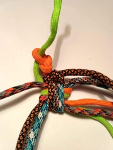 Tying a Case Out of Paracord