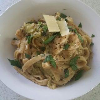 20 Minute Chicken & Broccoli Alfredo