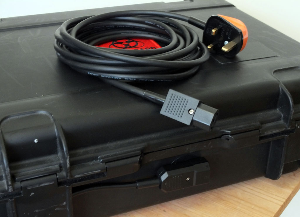 Picture of UPDATE: New Mains Power Plug and 5m Extension