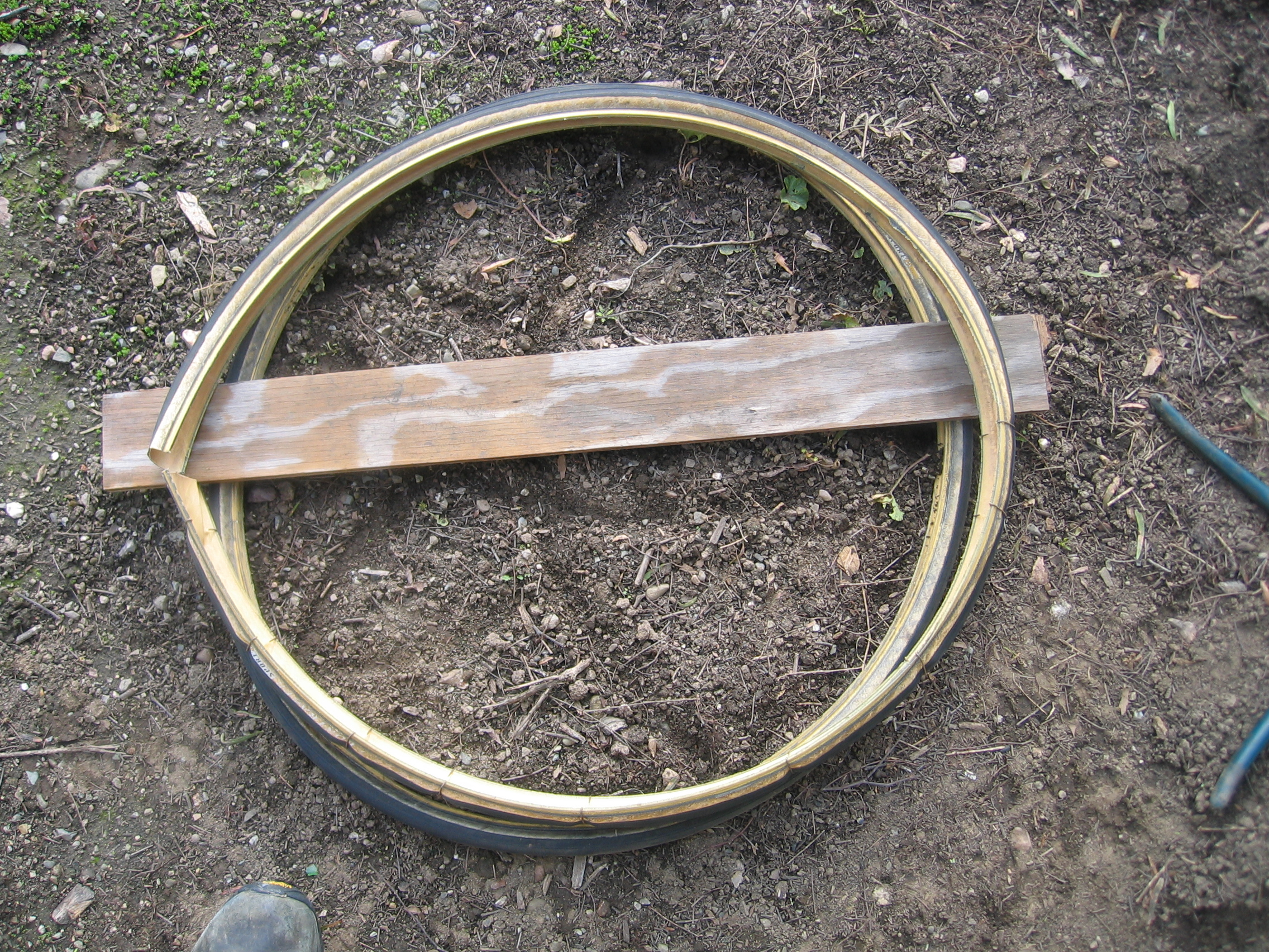 Picture of Recycled Bike Tire As Fender