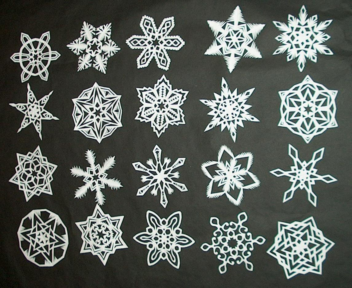 Picture of DIY: How to Make 6-Pointed Paper Snowflakes