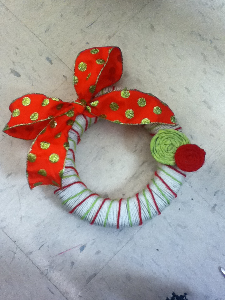 Picture of How to Create a Yarn Wreath