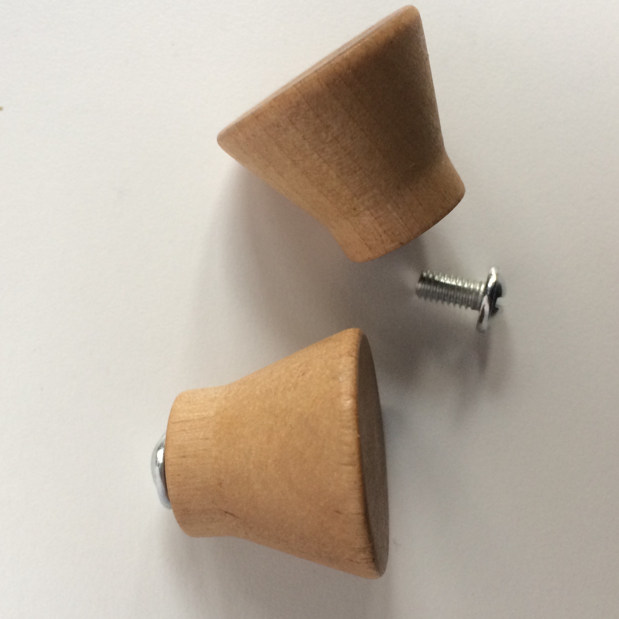 Picture of Get the Abandoned Drawer Knobs From the Gabages