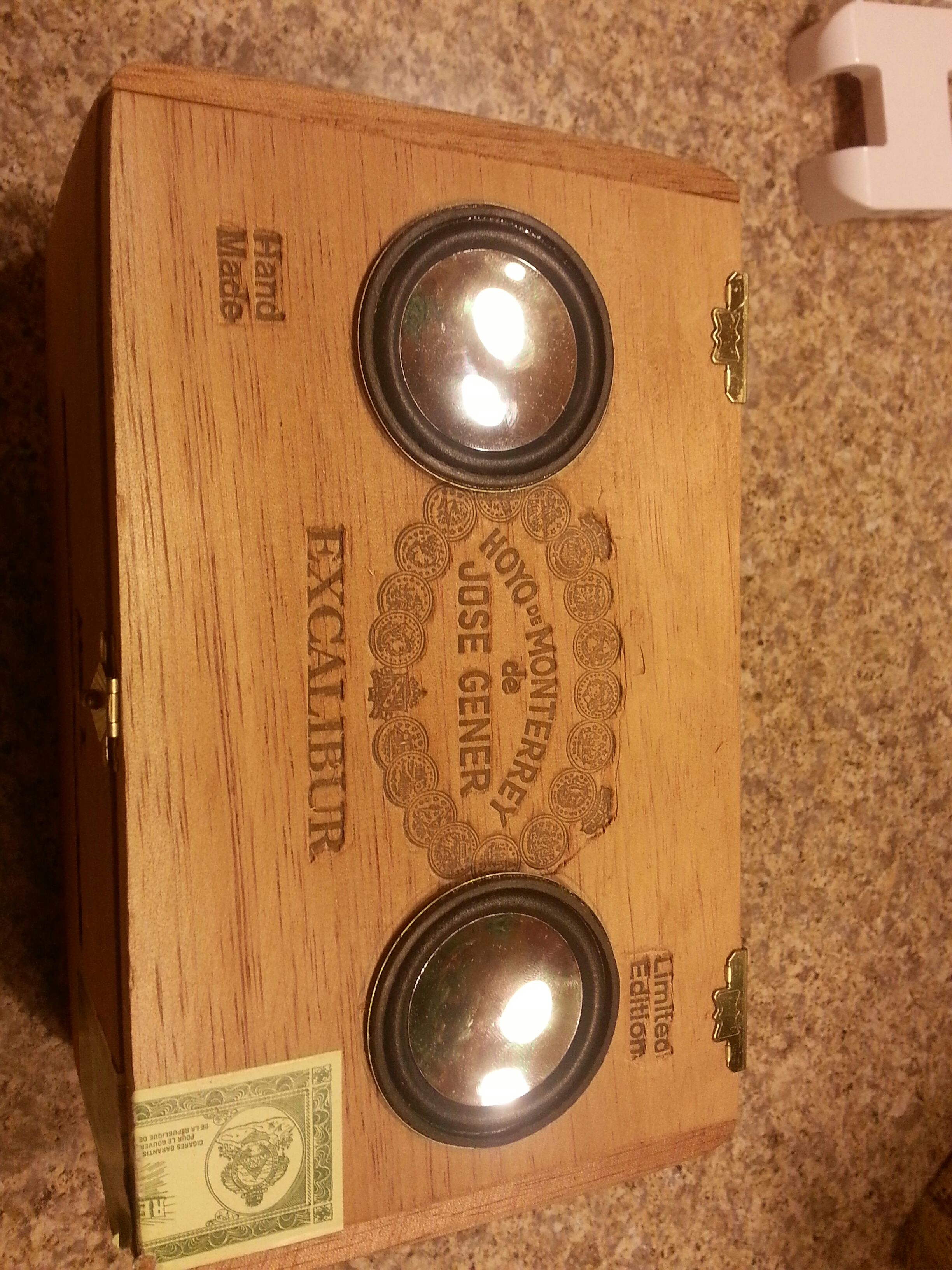 Picture of Cigar Box Speaker With False Bottom