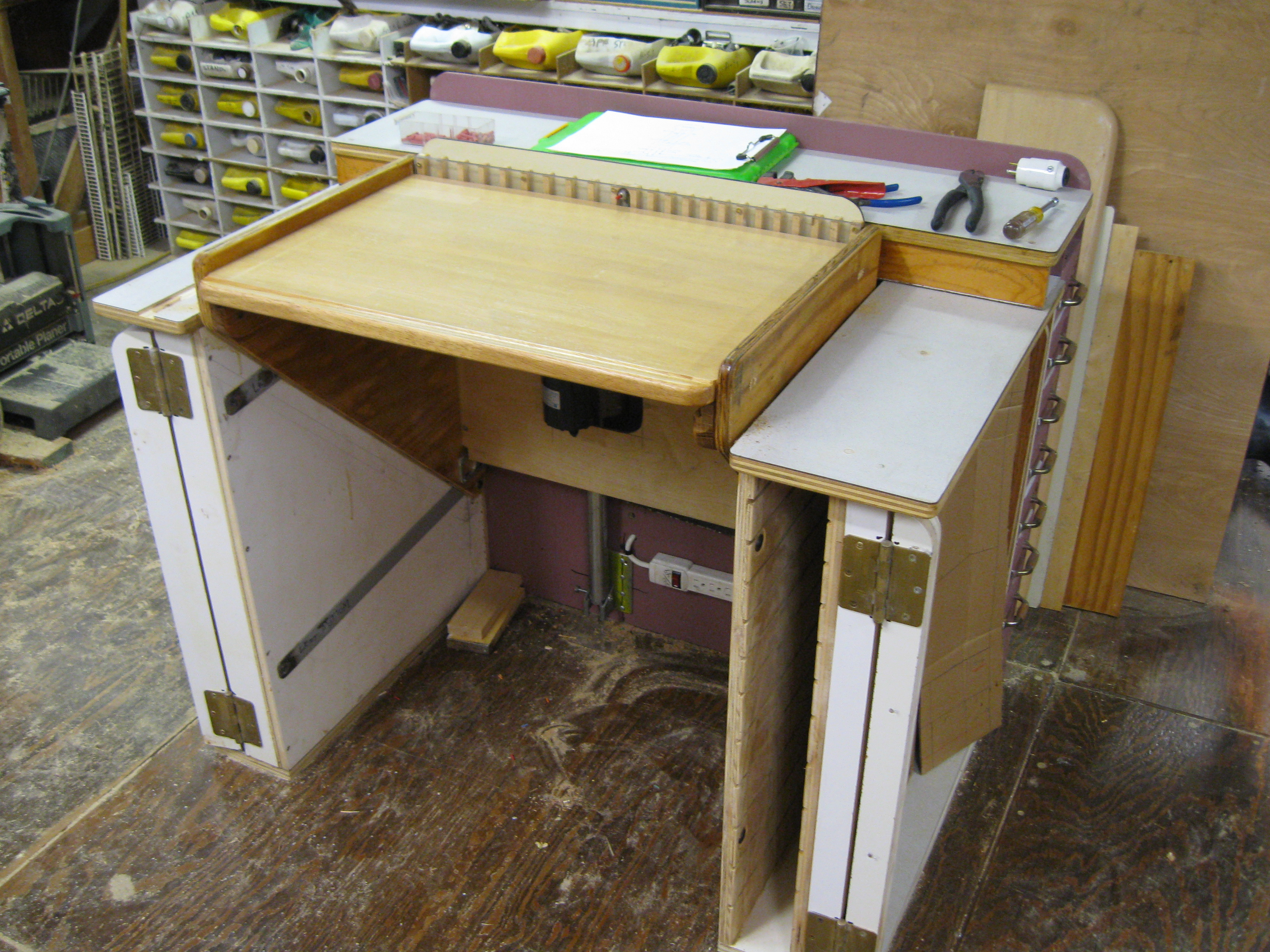 Picture of Adjustable Height Work Surface