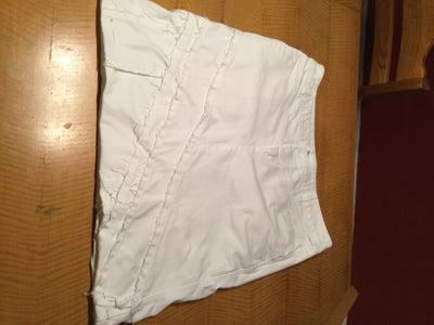 Finishing the Skirt Off