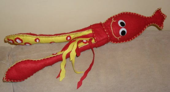 How to Make: Norbert the Cuddly Squid