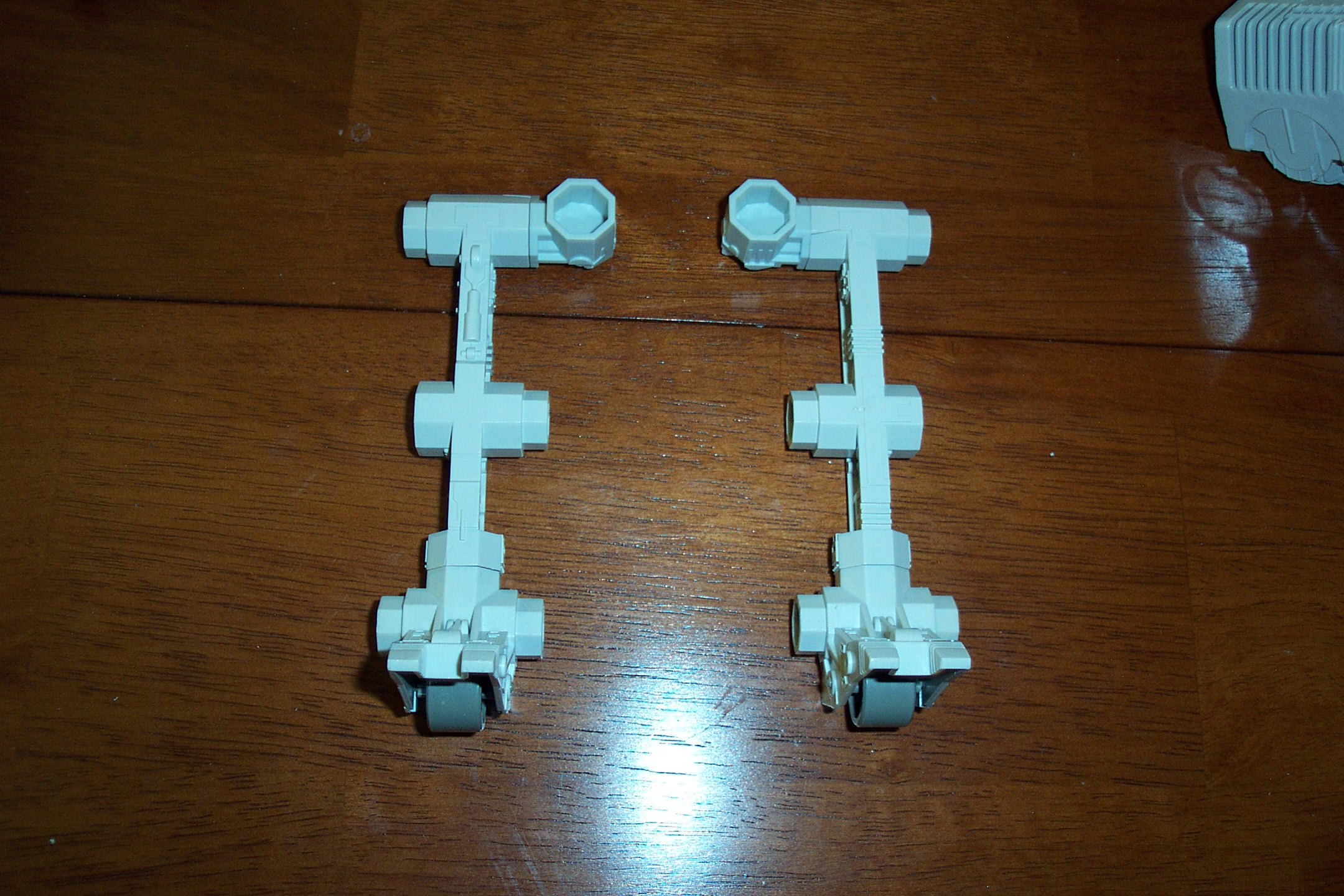 Picture of Attach Elbow Connectors and Wheel Foots to (2) Arms