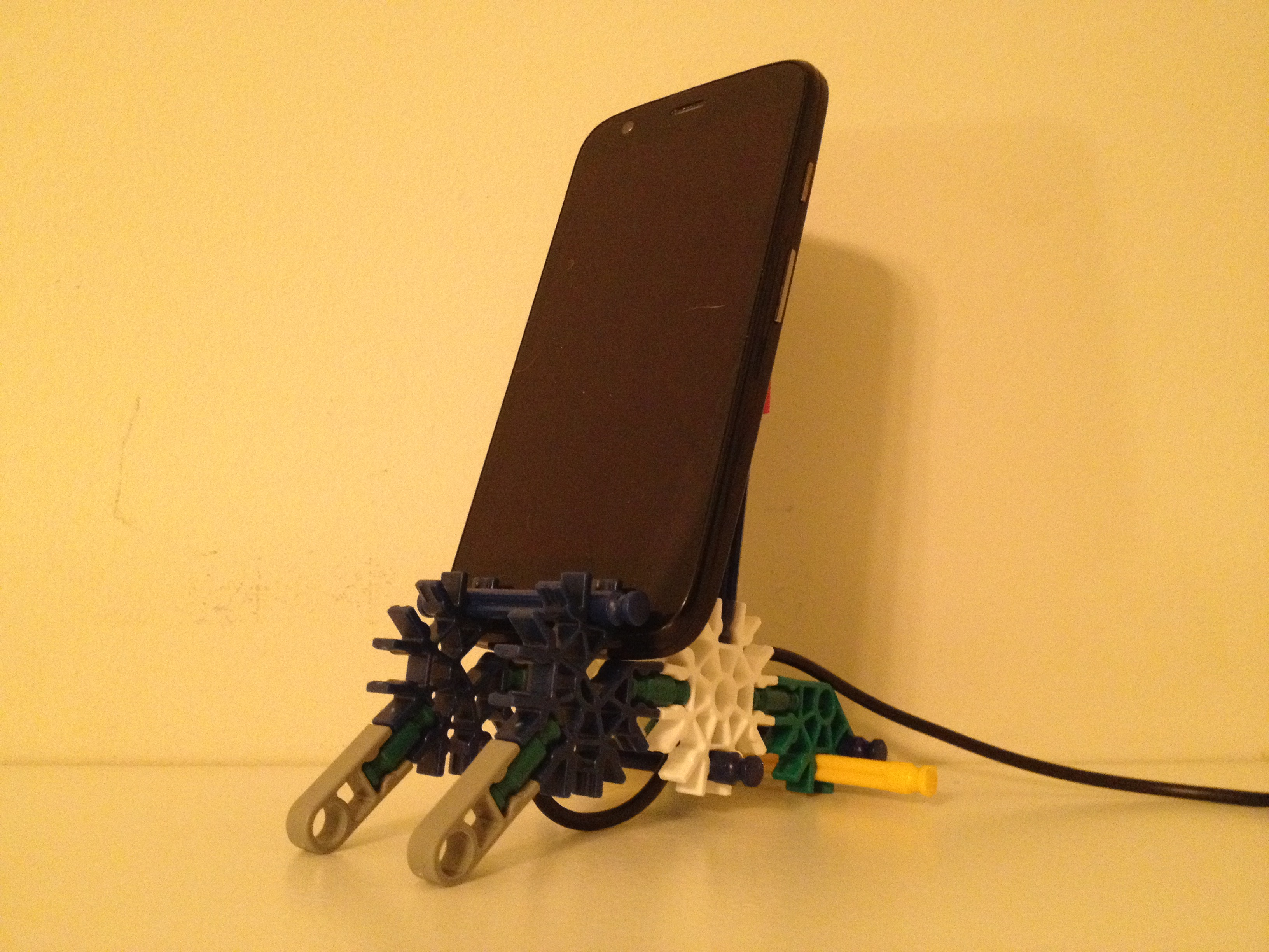 Picture of K'nex Phone Charging Stand
