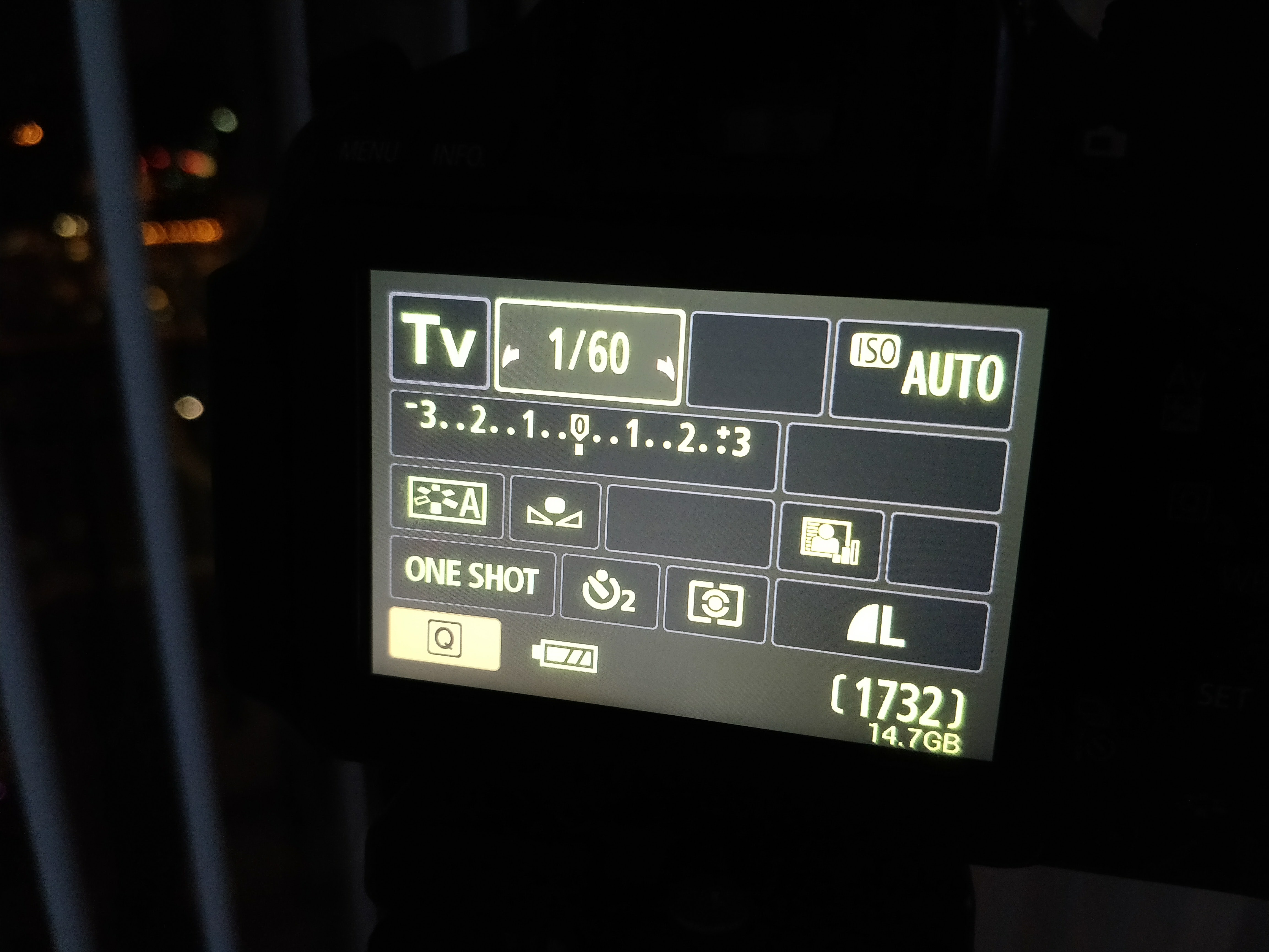 Picture of Setting the Mode and Adjusting Shutter Speed