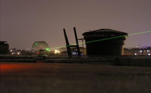 Satellite - Spotting Laser (Traducción Al Español)