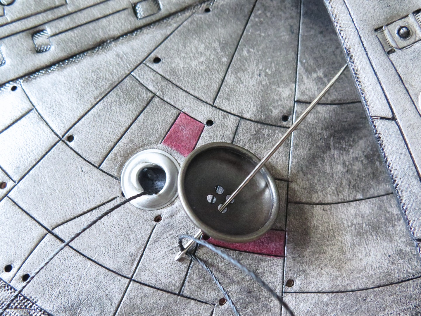 Picture of Attaching the Sensor Dish