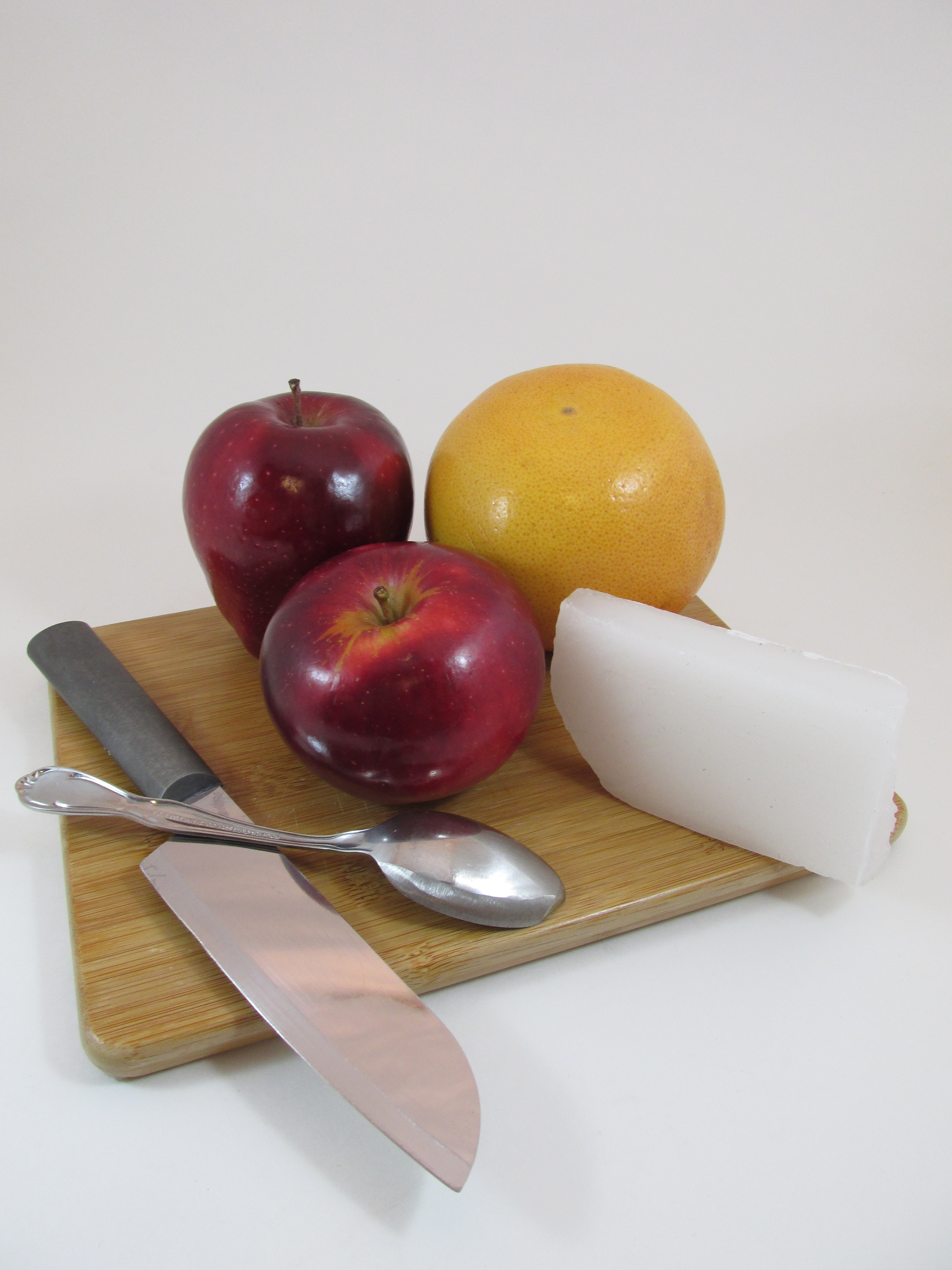 Picture of Making the Apple Cup - Ingredients and Tools