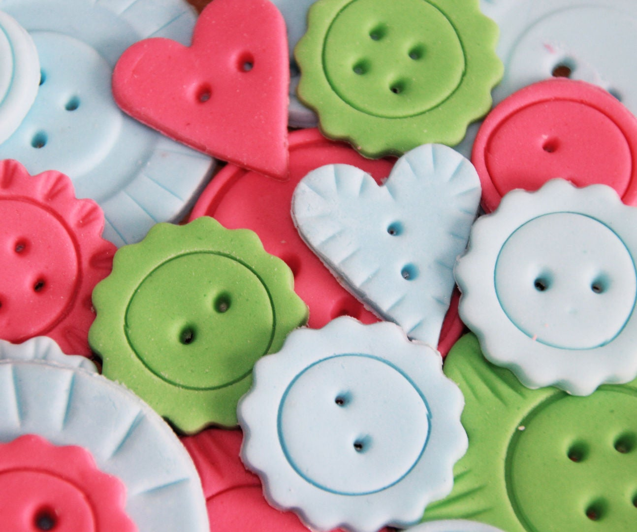 How To Make Fondant Decoration Buttons