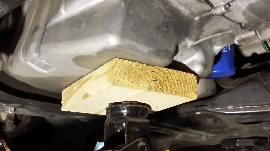 Picture of Support Engine and Remove Transmission Mount