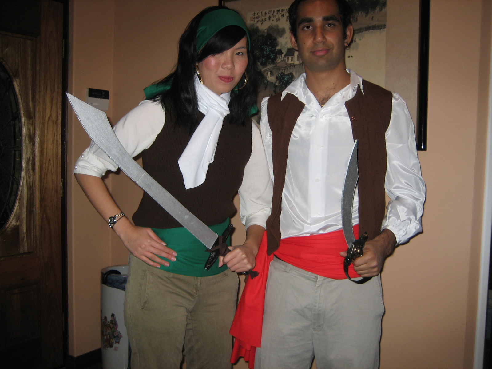 Picture of Guybrush Threepwood and Elaine Marley Pirate Costumes (Monkey Island)