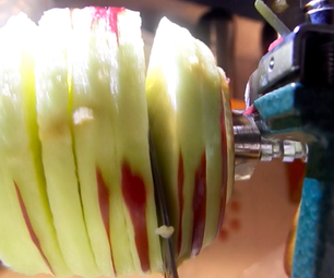 HOW TO CORE, PEEL AND CUT AN APPLE
