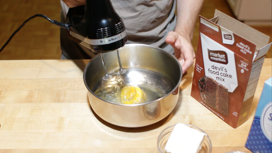 Mix Eggs and Oil