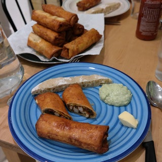 Southwestern Egg Rolls With Avacado Dipping Sauce (Copycat of Chili's)