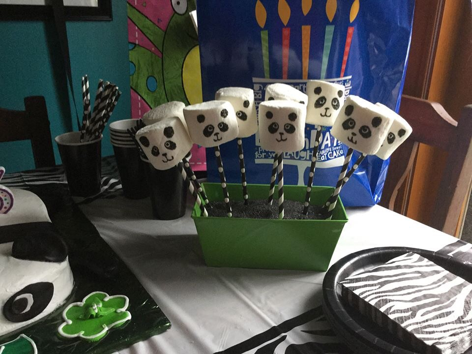 Picture of Marshmallow Pandas