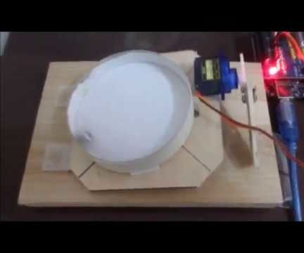 Automated Ball Roller With Arduino and One Servo
