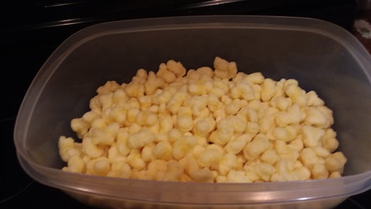 Place Puff Popcorn in Tub