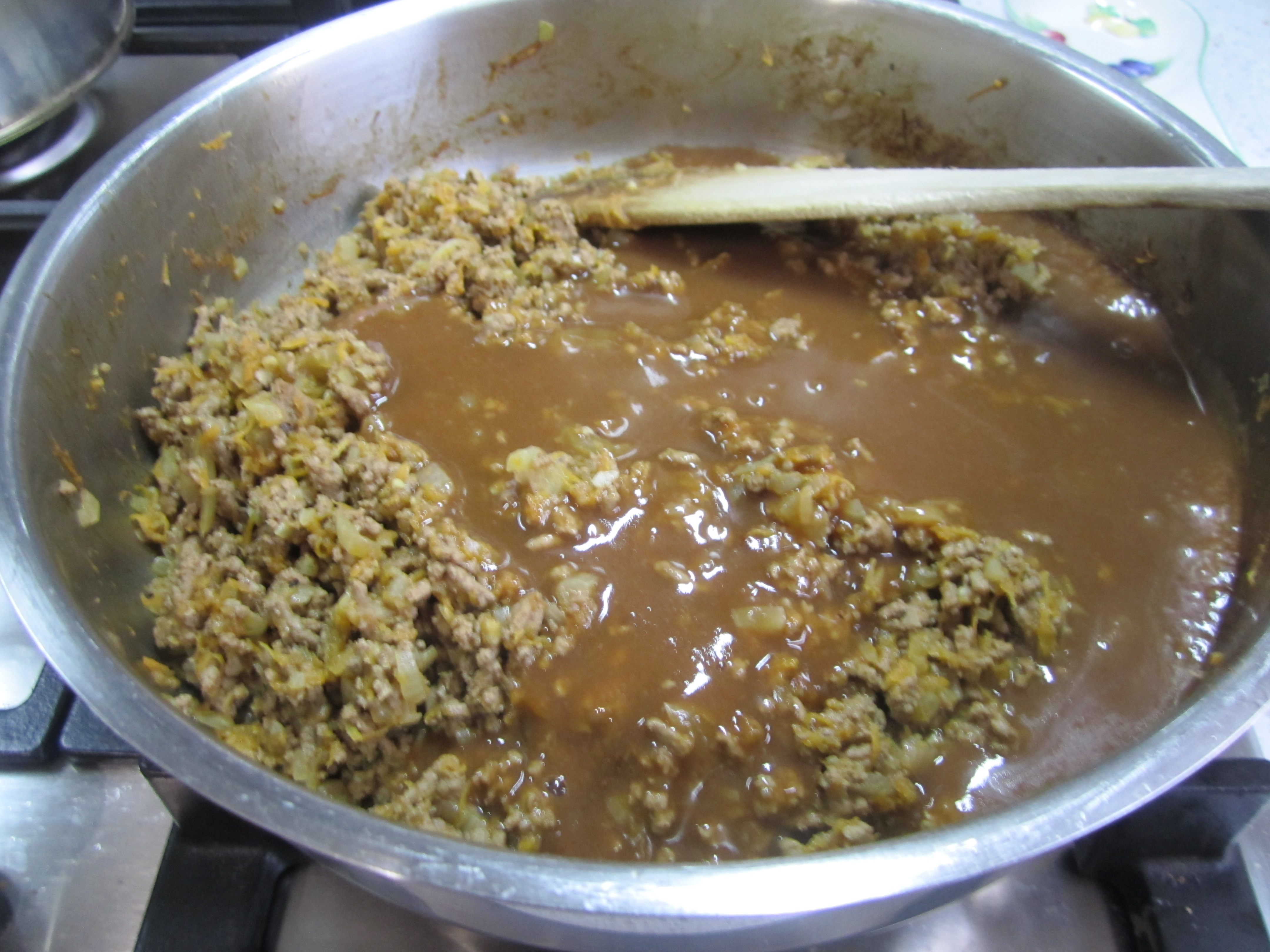 Picture of Add the Gravy to Mince Mix